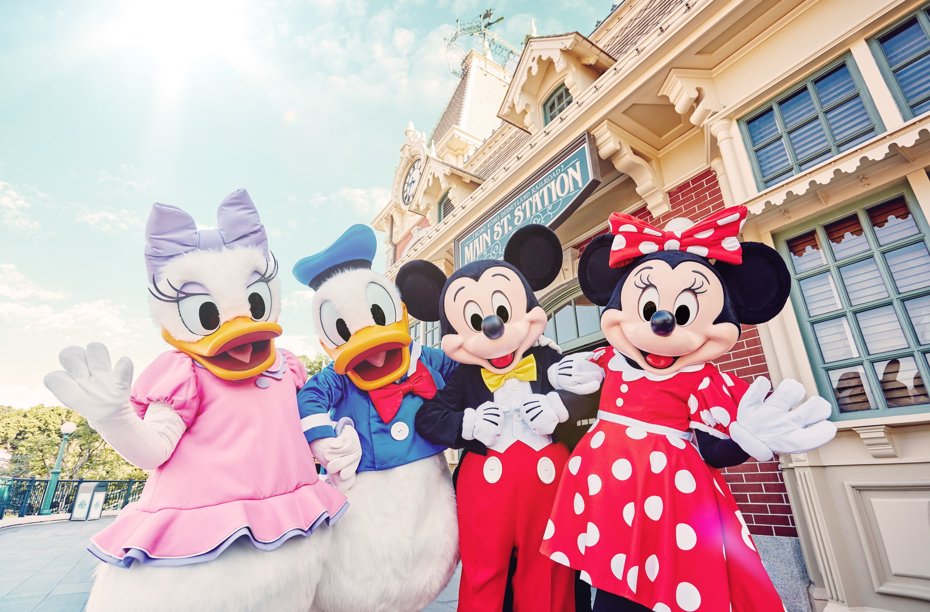 attractions-hong-kong-disneyland-resort